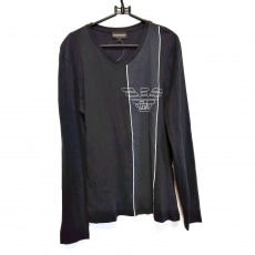 エンポリオアルマーニのTシャツ