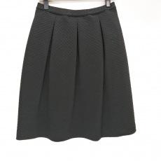 スーパービューティーのスカート