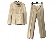 アルベルタ・フェレッティのレディースパンツスーツ