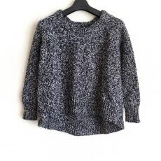 アクネのセーター