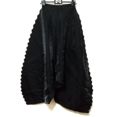イッセイミヤケのスカート