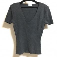 フォクシーブティックのTシャツ