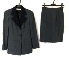 クロエのスカートスーツ