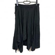 グラウンド ワイのスカート