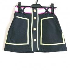 マークアンドロナのスカート