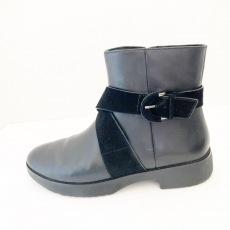 フィットフロップのブーツ