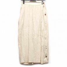 プリスティンのスカート