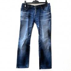 トルネードマートのジーンズ