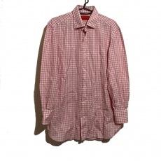 イザイアのシャツ