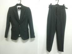 ディースクエアードのレディースパンツスーツ