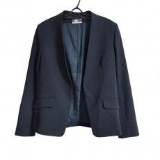 プラステのジャケット