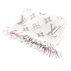 ルイヴィトンのエシャルプロゴマニア