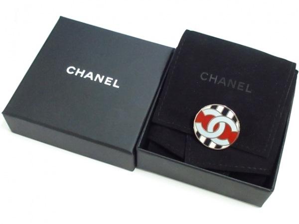 CHANEL(シャネル) ブローチ美品  金属素材 ライトブルー×白×マルチ 6