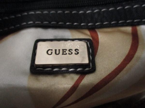 GUESS(ゲス) ショルダーバッグ 黒 合皮