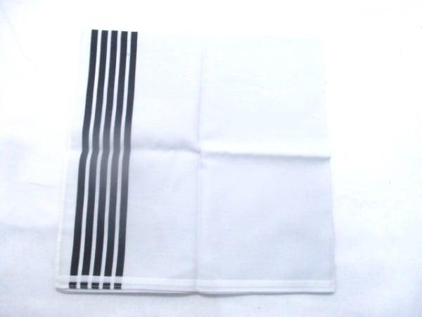 DKNY(ダナキャラン) ハンカチ ライトグレー×ブラック 2