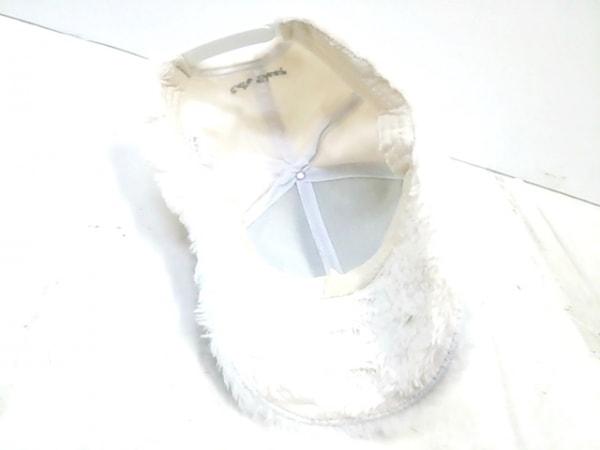ノーブランド キャップ美品  白 4