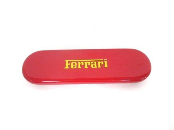 フェラーリ ペンケース美品  金属素材