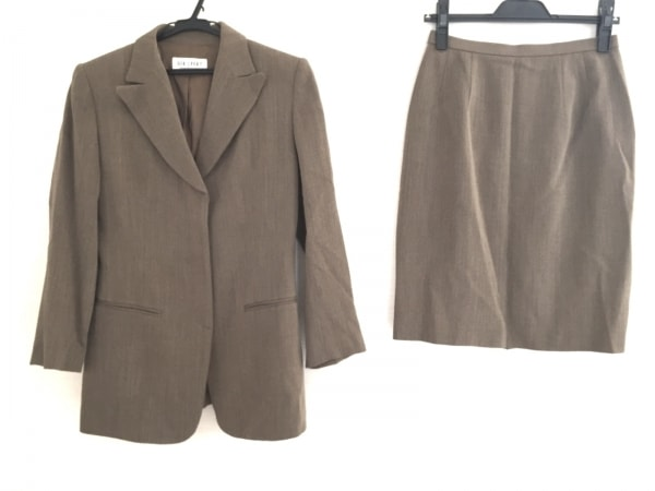 ジオスポーツ スカートスーツ サイズ2 M
