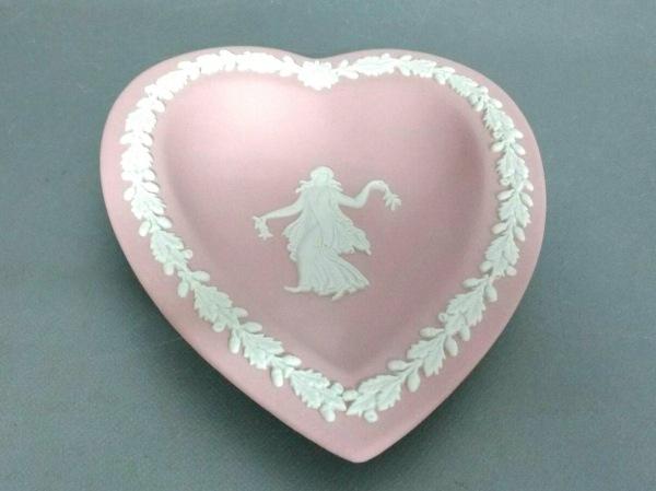 ウェッジウッド プレート新品同様  ジャスパー ピンク×アイボリー ハート 陶器