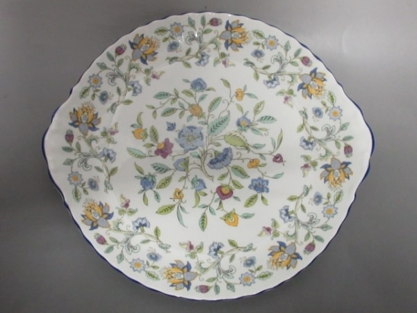 ROYAL DOULTON(ロイヤルドルトン) プレート新品同様  白×マルチ 花柄 陶器