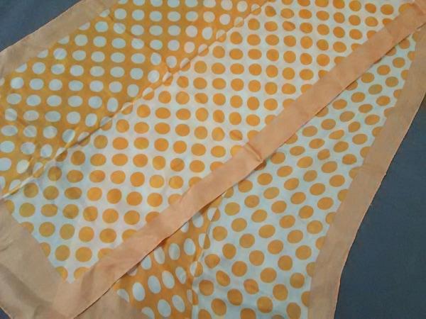 OLIVER(オリバーバレンチノ) スカーフ 白×オレンジ×ベージュ ドット柄