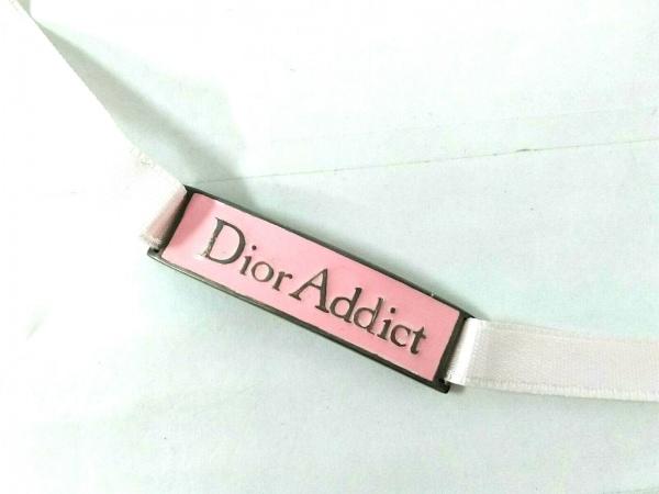 Dior Addict(ディオールアディクト) チョーカー 金属素材×サテン シルバー×ピンク