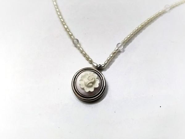PERLITA(ペルリータ) ネックレス シルバー×パール×陶器 アイボリー