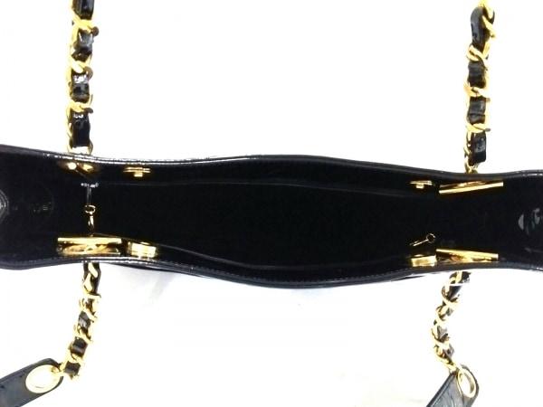 シャネル トートバッグ - 黒 チェーンショルダー/ゴールド金具 エナメル(レザー)