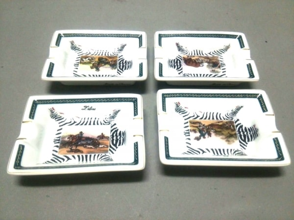 HERMES(エルメス) 小物新品同様  白×マルチ 灰皿/ミニサイズ/4点セット 陶器