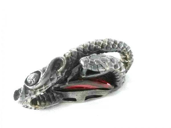 ウインズハウス ペンダントトップ美品  シルバー×ラインストーン レッド 蛇