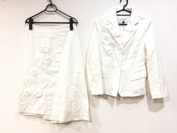 ATSUROTAYAMA(アツロウタヤマ) スカートスーツ サイズ36 S レディース美品  白