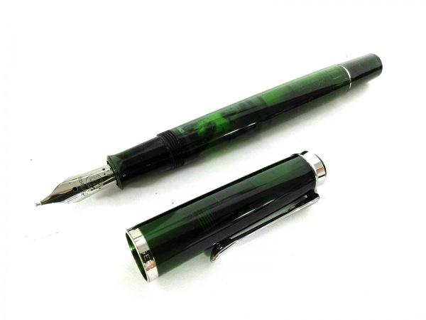 Pelikan(ペリカン) 万年筆美品  グリーン×シルバー プラスチック