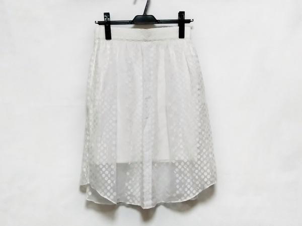 サカヨリ スカート サイズ36 S レディース美品  アイボリー プリーツ/ドット柄