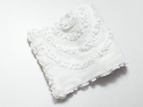 ノコプリーツ ストール(ショール)美品  白 フラワー/メッシュ ポリエステル