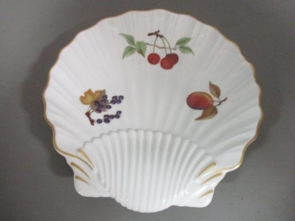 ROYAL WORCESTER(ロイヤルウースター) プレート新品同様  白×マルチ 陶器