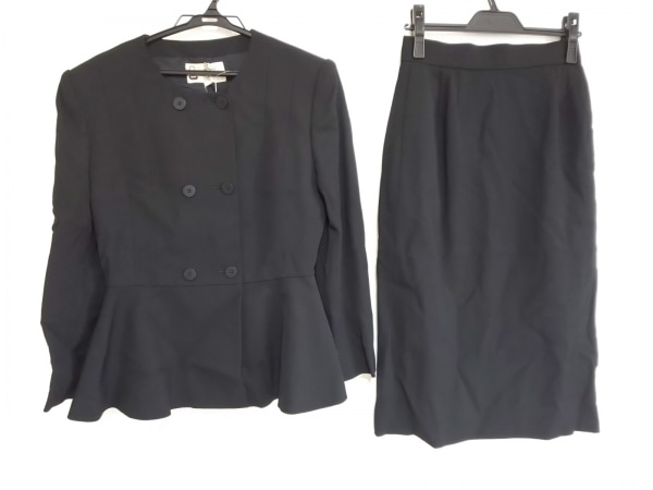 pierre cardin(ピエールカルダン) スカートスーツ サイズ11 M レディース 黒