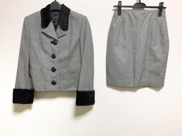 VERSUS(ヴェルサス) スカートスーツ レディース美品  黒×白
