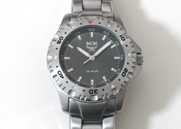 MCM(エムシーエム) 腕時計美品  - メンズ グレー