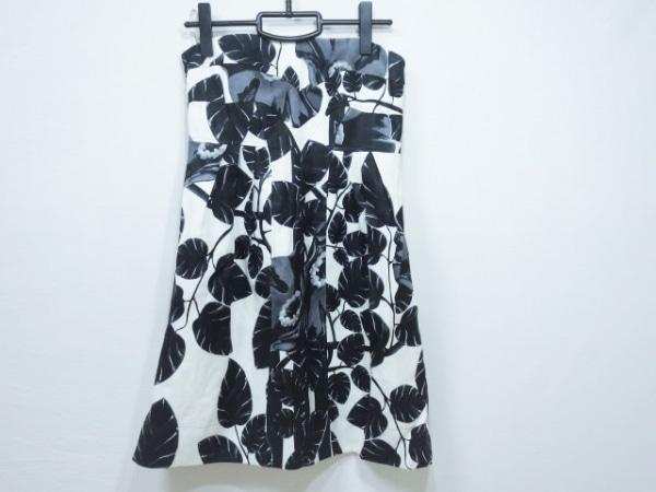 VERSACE(ヴェルサーチ) ワンピース サイズ40 M レディース美品  黒×ダークグレー×白