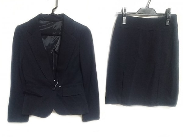 CrystalSylph(クリスタルシルフ) スカートスーツ サイズS レディース美品  ネイビー