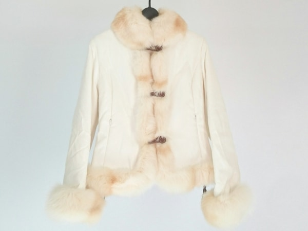 SALCO(サルコ) コート サイズ40 M レディース美品  アイボリー ファー/冬物