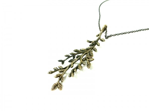 LOISIR(ロワズィール) ネックレス美品  金属素材 ゴールド