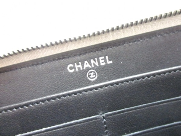 b07fd9ffadea ... CHANEL(シャネル) 長財布美品 - シルバー×黒 ラウンドファスナー/ココ ...