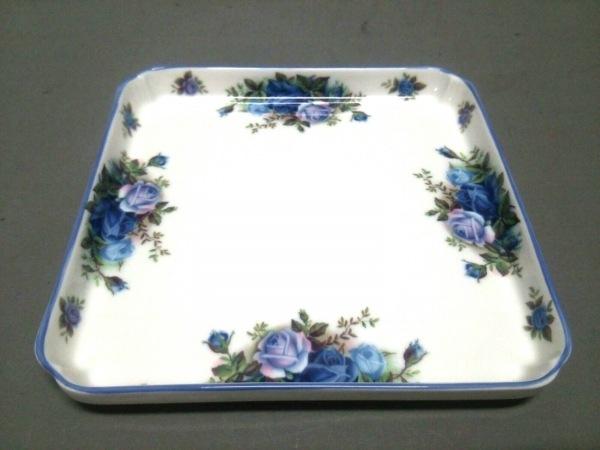ロイヤルアルバート プレート新品同様  白×ブルー×グリーン 花柄 陶器