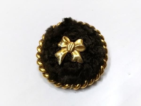 カールラガーフェルド ブローチ 金属素材×ファー ダークブラウン×ゴールド リボン