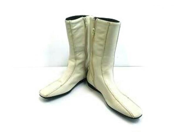 NINE WEST(ナインウエスト) ブーツ 7 レディース アイボリー レザー