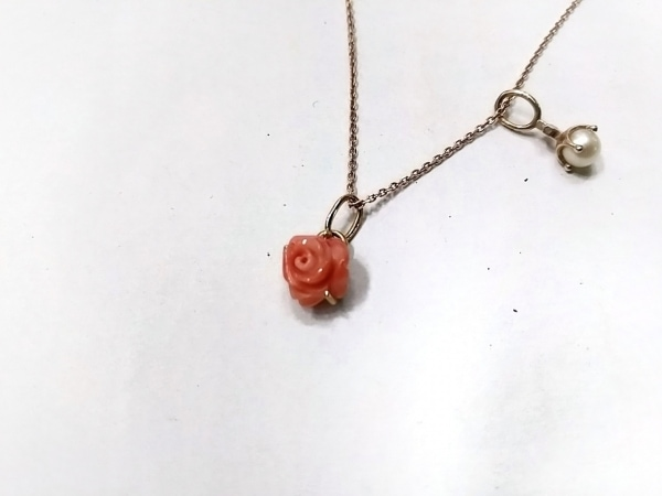 ノジェス ネックレス美品  K10×フェイクパール×プラスチック 白×ピンク フラワー