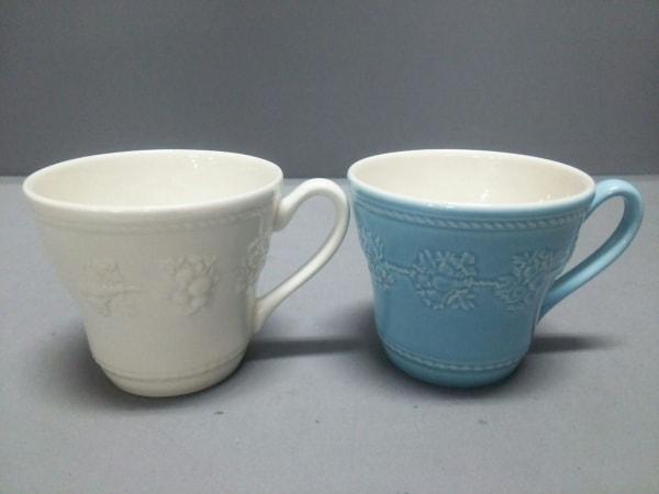 ウェッジウッド マグカップ新品同様  QUEEN`S WARE/FESTIVITY 白×ライトブルー 陶器