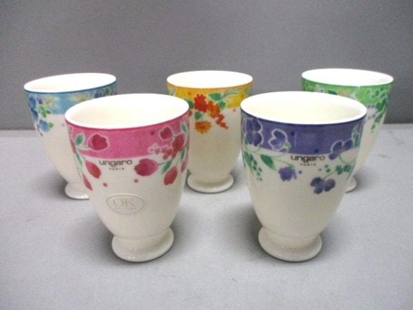 Ungaro(ウンガロ) 食器新品同様  白×マルチ カップ×5 陶器