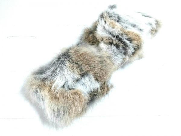 Moon Bat Fur(ムーンバットファー) マフラー美品  アイボリー×ベージュ×黒 ラビット
